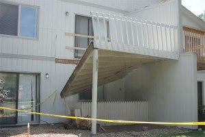 residential-building-codes-common-violations-deck-ledger_cc98d87034f81b5ec9113179ccee5037